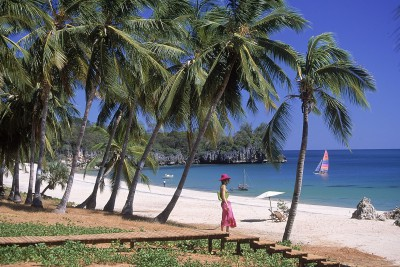 Madagascar-Holiday-Tours-Anjajavi-Hotel-Beach
