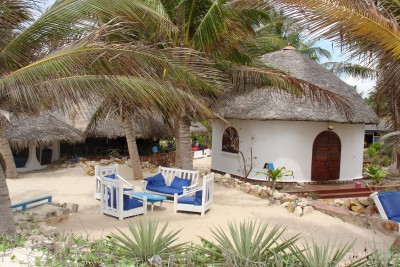 Madagascar-Holiday-Tours-CHEZ-MAGGIE-Bungalows-from-outside