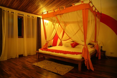 Madagascar-Wildlife-Tours-Andasible-Hotel-Room