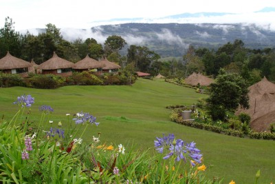 Papua-New-Guinea-Holiday-Tours-Ambua-Lodge-Exterior