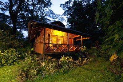 Papua-New-Guinea-Holiday-Tours-Walindi-Plantation-Resort_Bungalow-Night