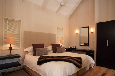 South-Africa-Tailormade-Tours-The-Ferney_Room