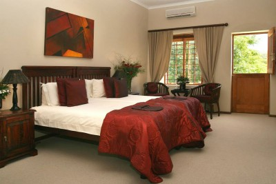 South-Africa-Tailormade-Tours-Thorntree-Country-House_Suite