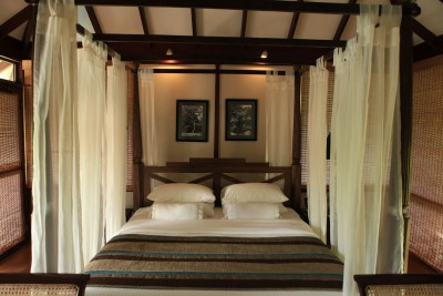 Sri-Lanka-Holiday-Tours-Ulagalla-Private-Chalet_Room