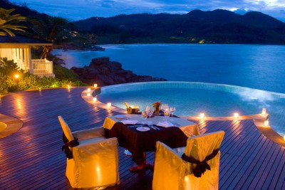 Seychelles-Holiday-Tours-Hilton-Northolme_Romantic-Dinner